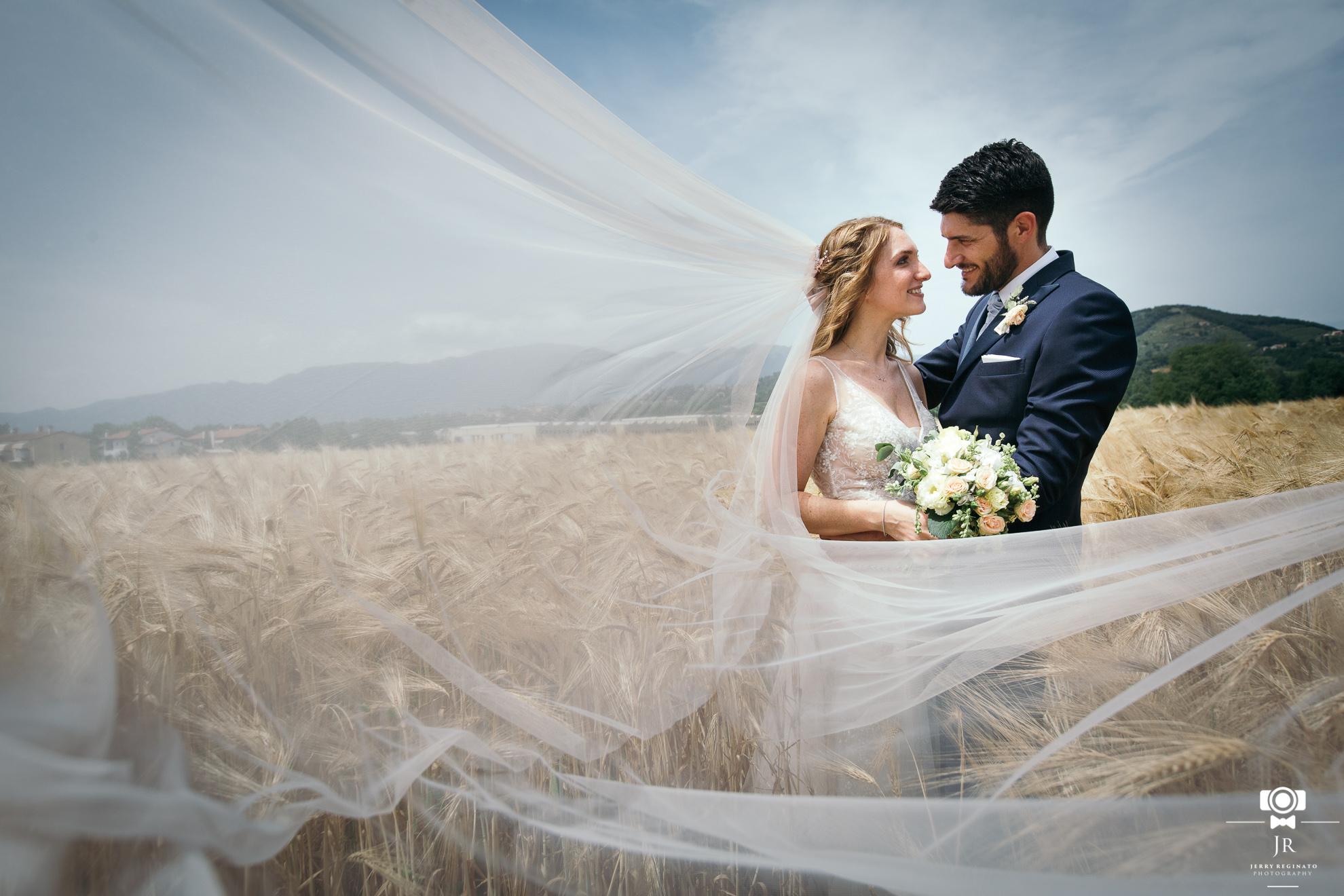 Matrimonio campo di grano Lucia e Michele